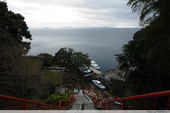 竹生島から。