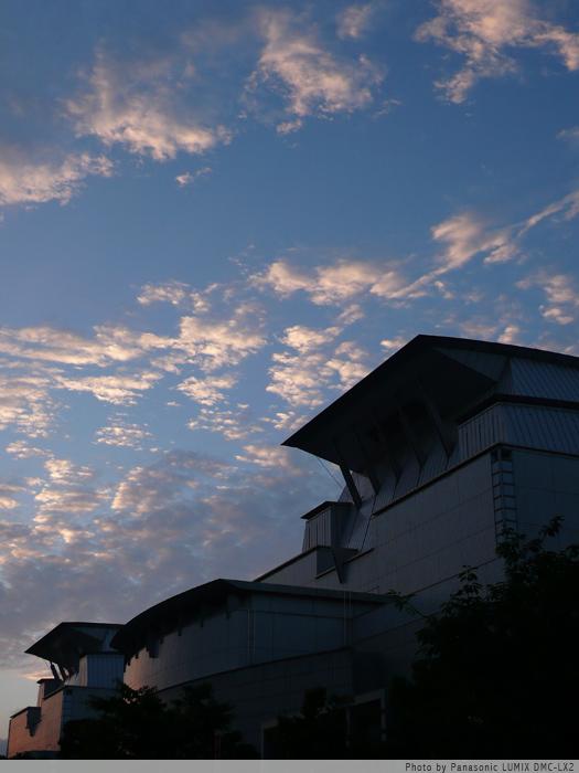 夕暮れの空。